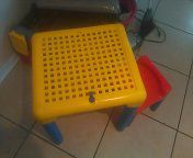 Kid's table and chair