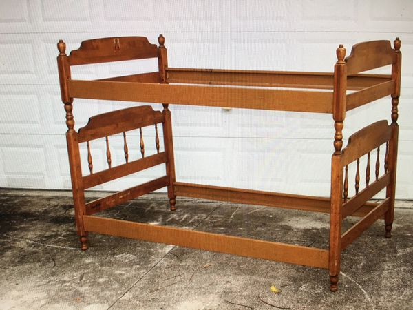 Ethan Allen Twin 4 Post Bunk Beds Furniture In Pompano