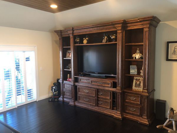 Entertainment wall unit (Furniture) in Boca Raton, FL - OfferUp