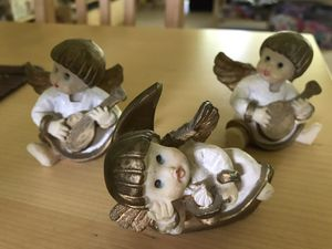 Set of 3 cherub figurines