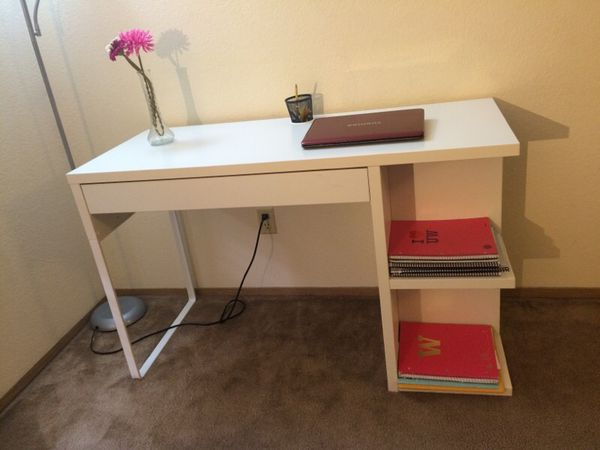Ikea desk table furniture in seattle wa offerup for Furniture movers seattle