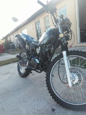 Dirt bike/motorcycle