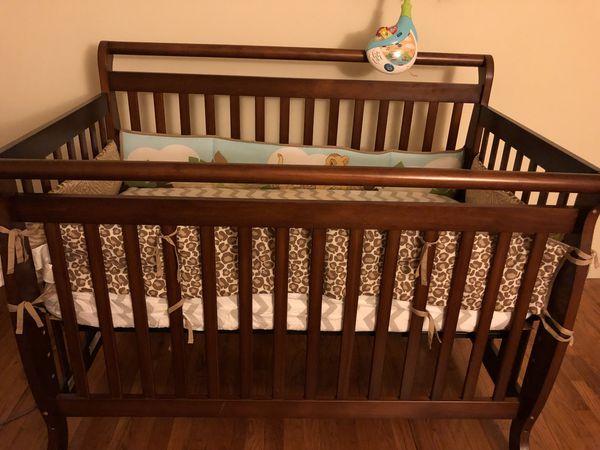 Davinci Emily 4 In 1 Convertible Crib With Premium Mattress Crib