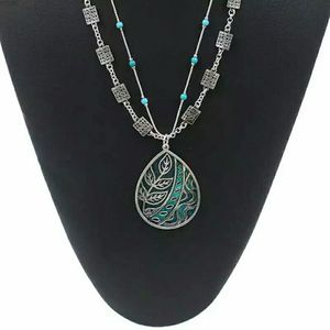 Silvertone w/Blue Lacquer and Beads Pendant Necklace