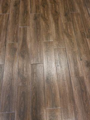 Porcelain wood plank tile