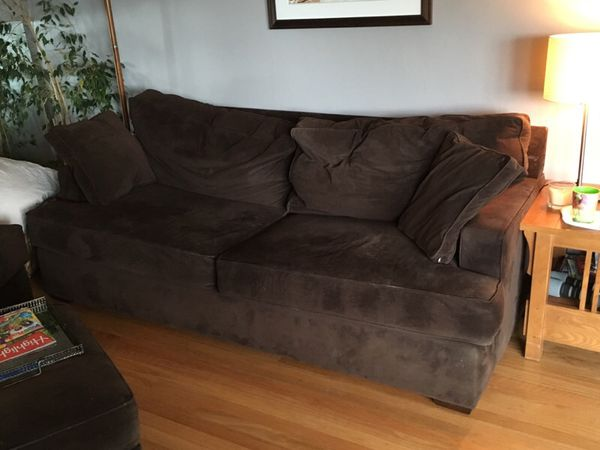 Brown 82 sofa furniture in seattle wa offerup for Furniture pick up seattle