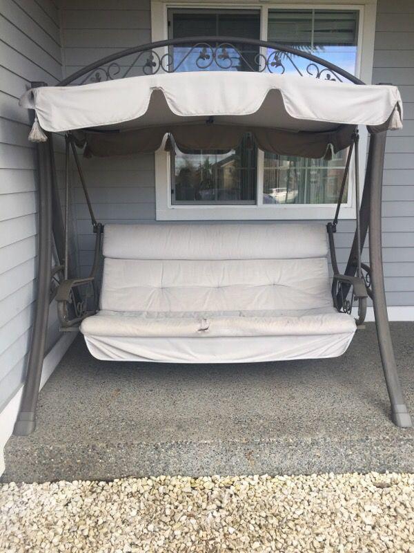 Porch swing furniture in auburn wa offerup for Furniture auburn wa