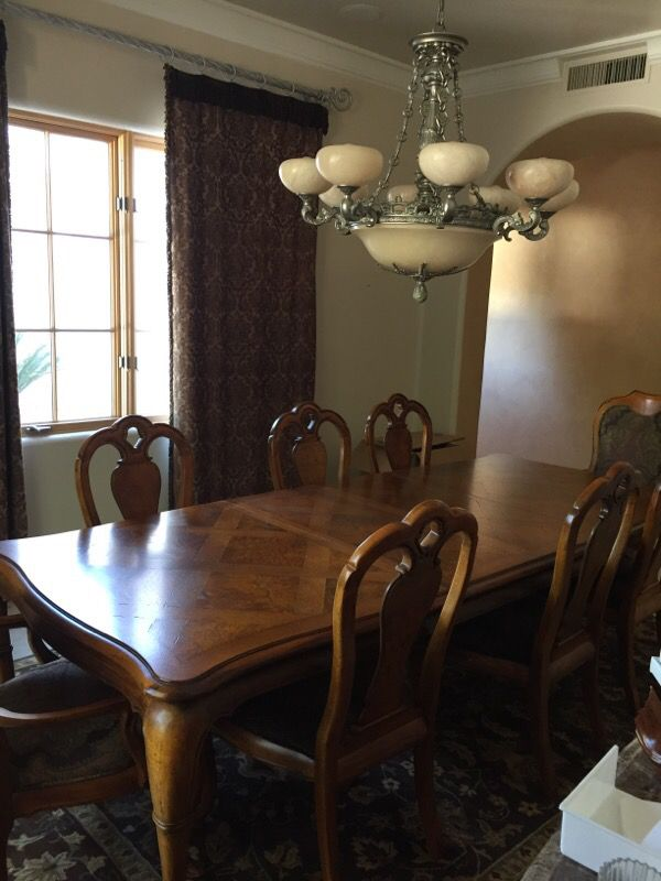 Thomasville British Gentry Buffet Dining Room Table With 8 Chairs