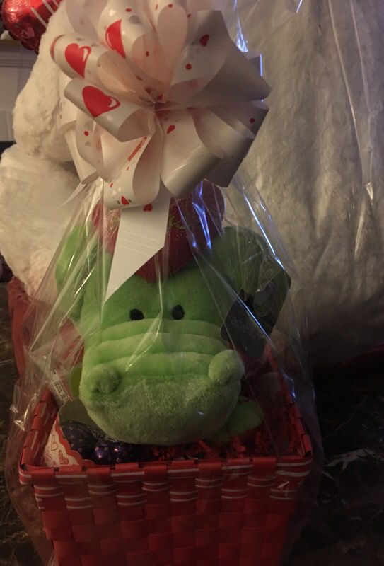 Valen times gift baskets all assorted different kinds cars valen times gift baskets all assorted different kinds negle Choice Image