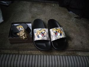 Gucci lion head slippers and belt
