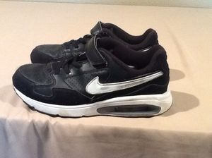 Nike Air Max ST Shoe--kids size--3Y