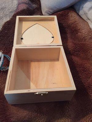 Picture storage box
