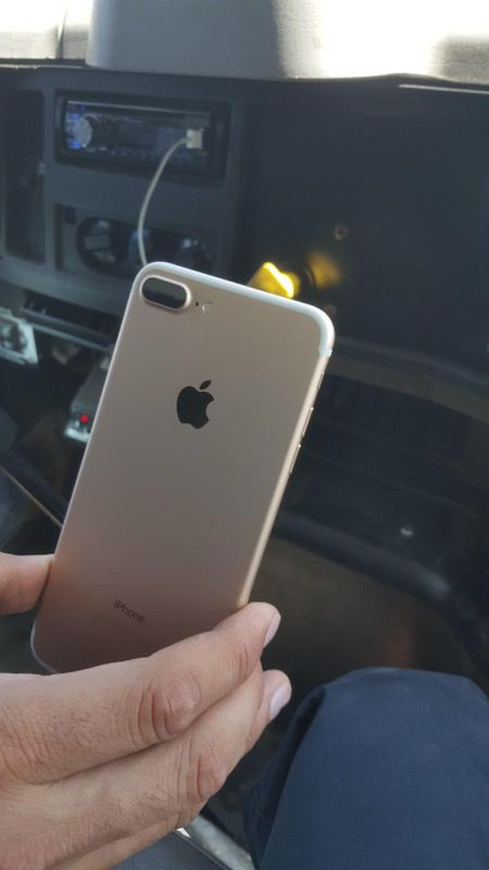 iPhone 7 Plus semi Nuevo