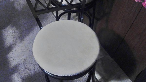 3 Black Metal Bar Stools Furniture In Wichita Ks Offerup