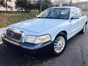 Only $975 ! 2009 Mercury Grand Marquis ! CLean title and the car drives