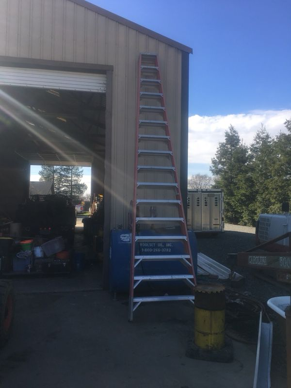16\' A frame ladder (Tools & Machinery) in Galt, CA