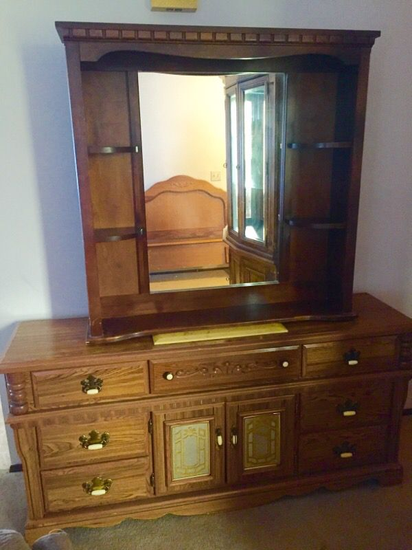 adrsser with mirror good furniture in everett wa offerup