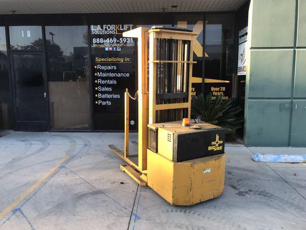 Big Joe Order Picker Forklift (Business Equipment) in Corona, CA ...