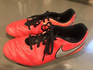 Nike soccer cleats - size 6 US