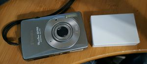 Canon powershot sd750 digital camera with 2 new batteries