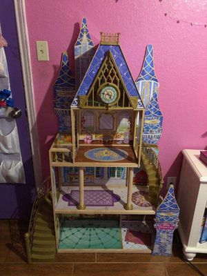 Big doll house 4ft tall