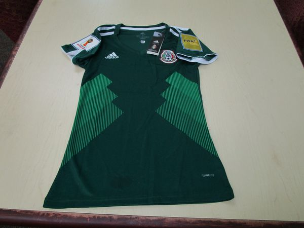 63b01ce4b Mexico home women s world cup soccer Jersey (Sports   Outdoors) in San Diego
