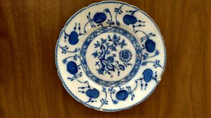 Allerton England Onion blue plate-dessert size.