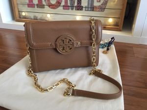 New authentic Tory burch crossbody bag