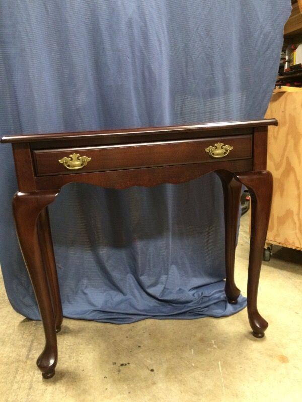Sofa table furniture in lynnwood wa offerup for Furniture lynnwood washington