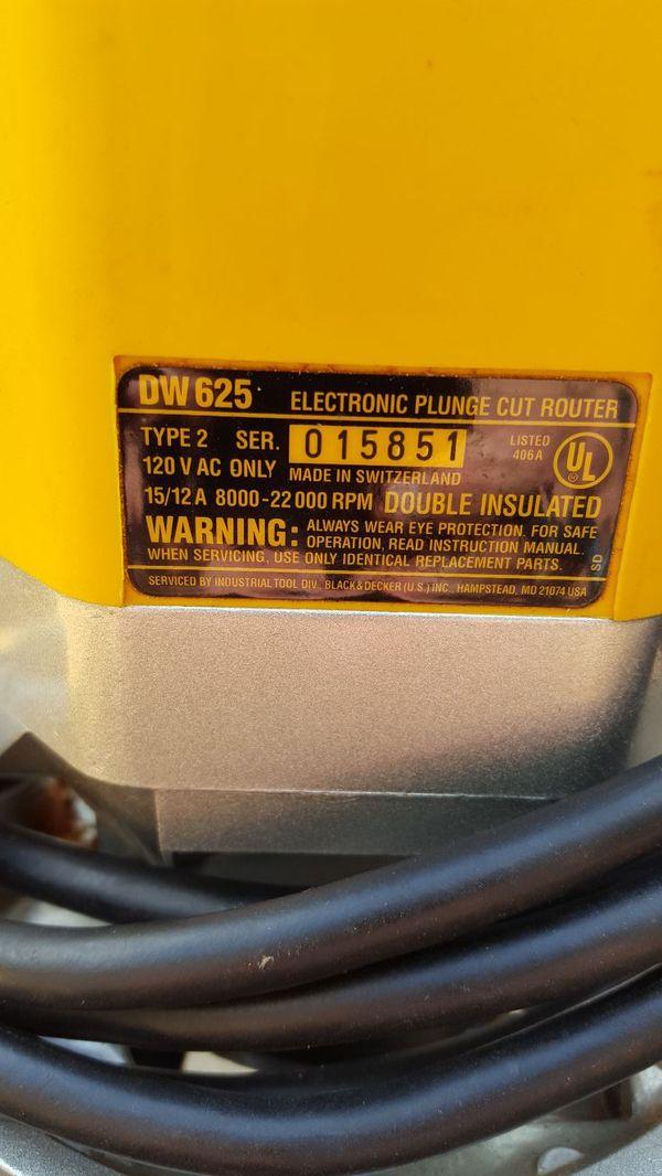 Dewalt DW625 Electronic Plunge Cut Router