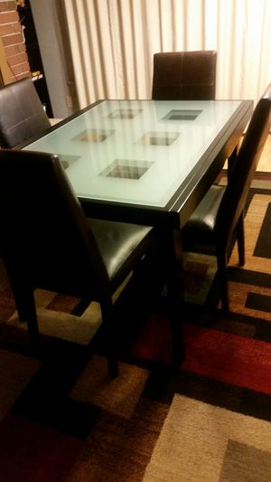 Beautiful Expandable Dining Table Set Made In Italy
