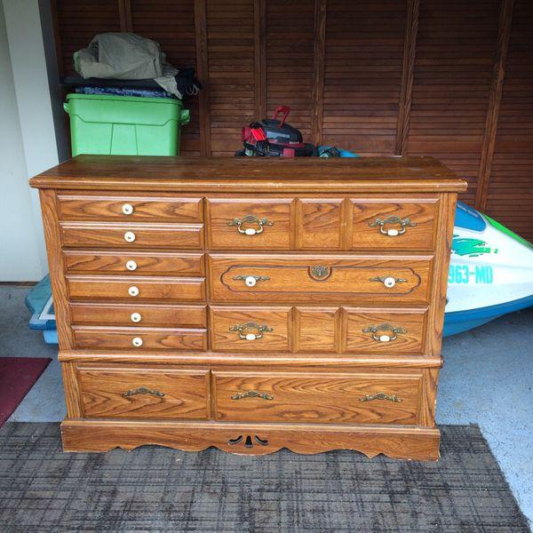 Dresser furniture in auburn wa offerup for Furniture auburn wa