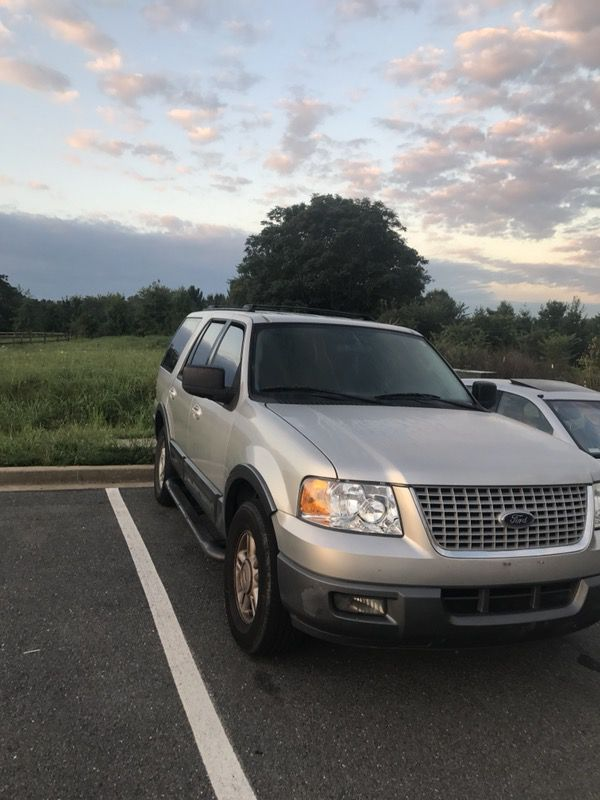 2004 Ford Expedition, third row seats, selling as is.