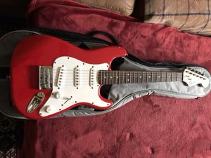 """Squire 3/4 Stratocaster w/ gig bag and Fender 1/4"""" Cable"""