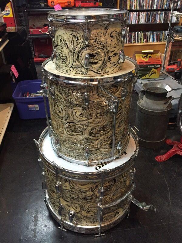Vintage Japanese Drum 100