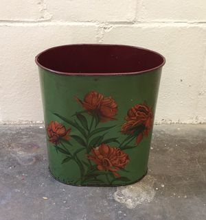 Vintage trashcan green with flowers from 1930s/40s