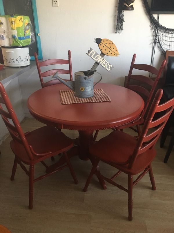Beautiful Dining Table With 4 Chairs Furniture In San Diego CA