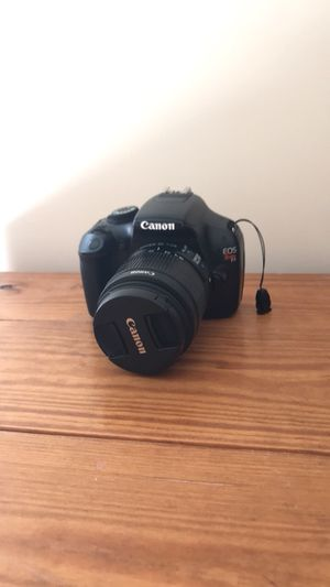 Canon Rebel t3 with lens