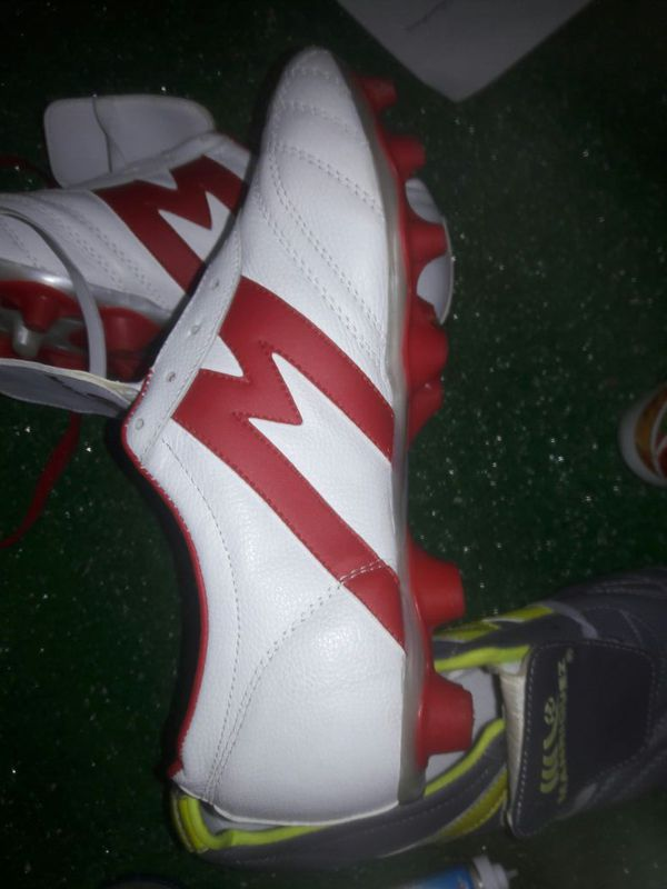 3561215fc13 New soccer cleats leather Manriquez size 9.5 (Sports   Outdoors) in  Houston
