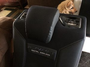 Pyramat ultimate surround sound rocker/ gaming chair