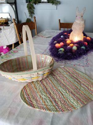 2009 Longaberger Basket & Placemat, egg shaped