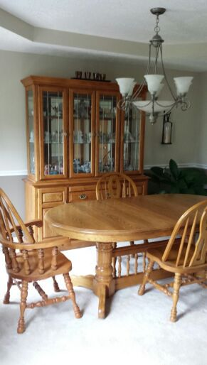 Cochrane dining room table, chairs, lighted hutch (Furniture) in ...