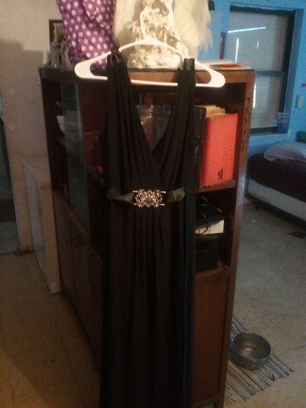 Size 16w womans maxi semi formal