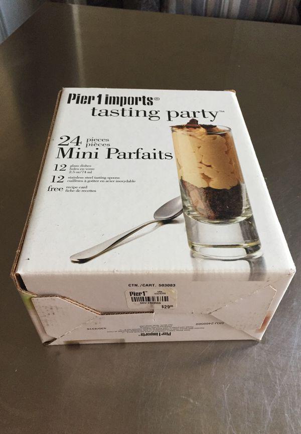 Pier 1 imports tasting party 24 pieces Mini Parfaits