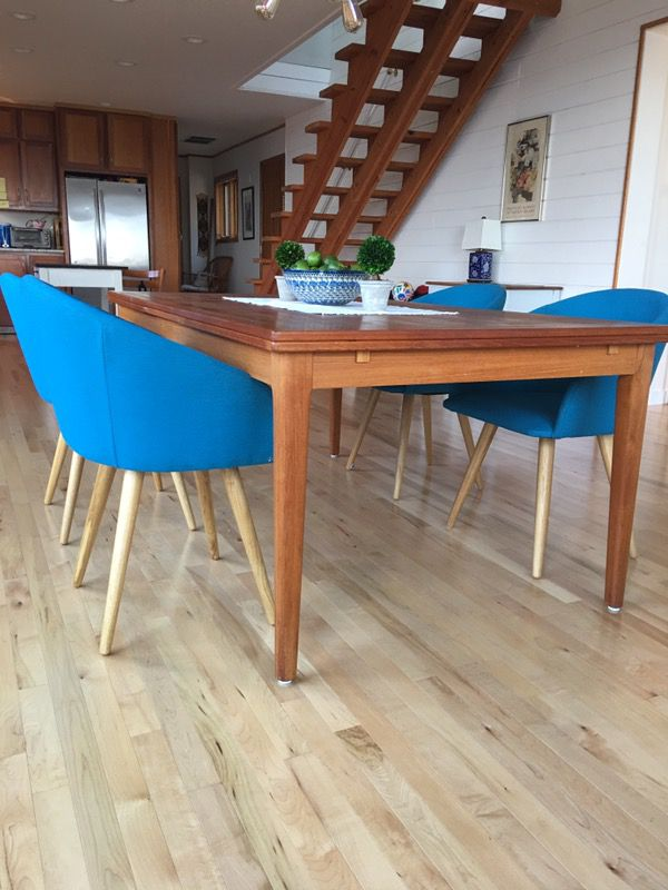 4 dining chairs furniture in edmonds wa offerup for Furniture edmonds wa