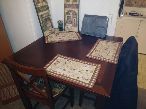 Cherry Diningroom Table Set W 3 Chairs