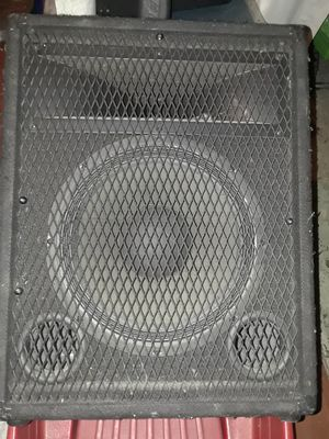 2 Carvin 12 inch with stand hole 300 watt P.A. or monitor speakers passive