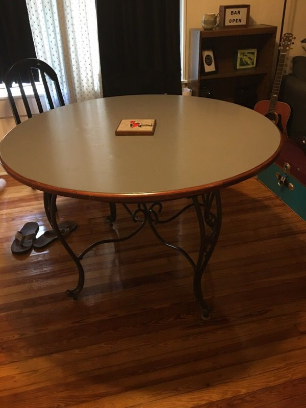circular dining room table arts crafts in tampa fl offerup