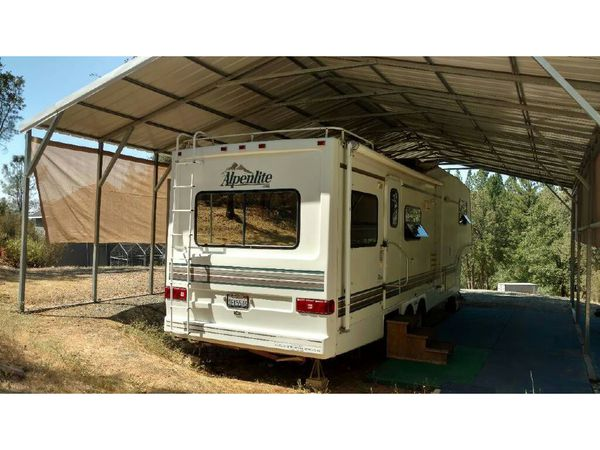 Alpenlite Fifth Wheel 2 Slide Outs Campers Amp Rvs In