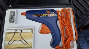 Glue gun with case and glue